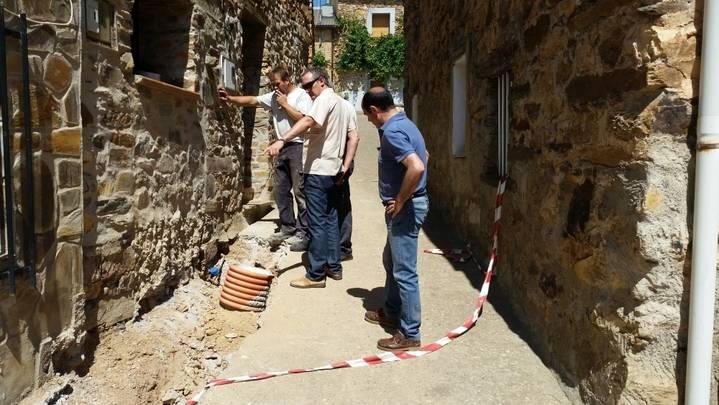 La Diputación lleva a cabo la renovación de la red de abastecimiento de Arroyo de Fraguas