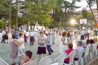 Alta participación en la Fiesta de los Abuelos de Azuqueca