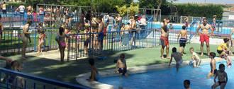 Una azudense denuncia al Ayuntamiento tras lesionarse en la piscina municipal