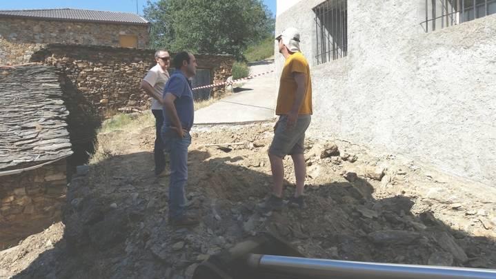Diputación lleva a cabo obras de renovación de redes y pavimentación en Condemios de Arriba, Hijes y Aldeanueva de Atienza