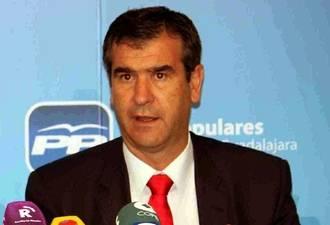 """Román: """"La reforma del IRPF conllevará una inyección de 55 millones de euros para los declarantes en Guadalajara"""""""