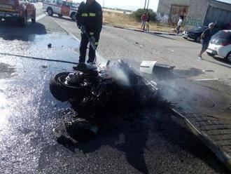 Un accidente entre dos motos y un vehículo en El Casar se salda con cuatro heridos graves