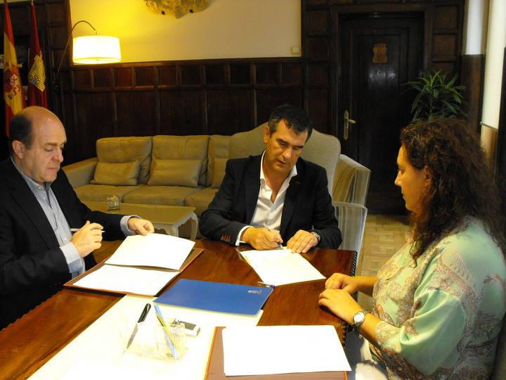 Ayuntamiento de Guadalajara y ACCEM firman un acuerdo de colaboración en materia de empleo