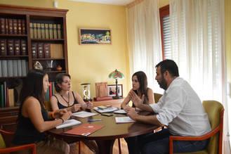 """Araceli Martínez destaca la importancia de poder contar con ayuntamientos """"comprometidos"""" para trabajar a favor de la igualdad y contra la violencia de género"""