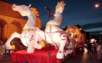 Fantasía, Dioses y Monstruos: temática del desfile de carrozas 2015 en la capital