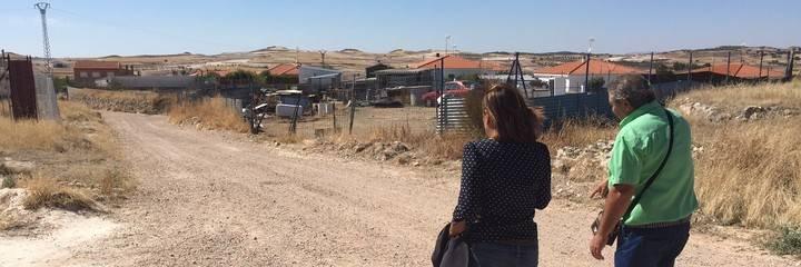 Yolanda Ramírez, diputada provincial de Ciudadanos recoge las necesidades de Albalate de Zorita y Driebes