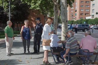 Encarnación Jiménez visita Los Manantiales para conocer de primera mano sus necesidades