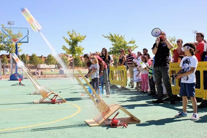 Más de 1.300 personas disfrutaron este fin de semana de Expoastronómica 2015 en Yebes