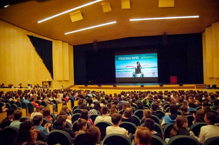 El público llena el Buero Vallejo a pocas horas de la Gala de Clausura del FESCIGU