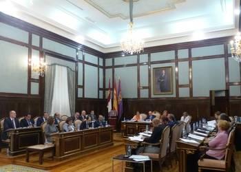 """Diputación solicita la """"máxima coordinación e implicación"""" para buscar soluciones a la crisis de los refugiados"""