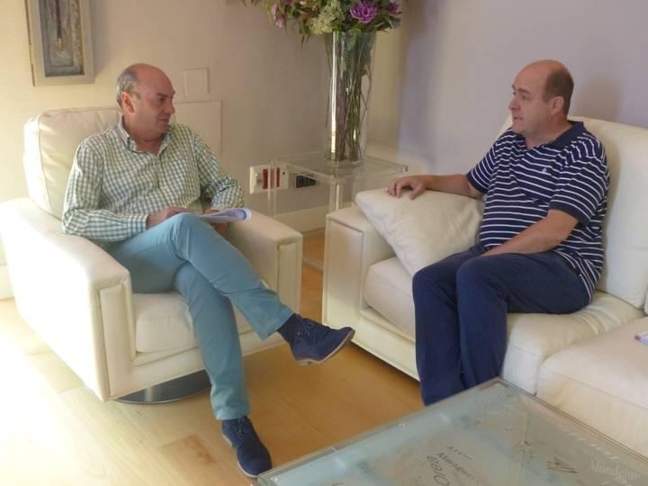 El presidente de la Diputación muestra su disposición para colaborar de forma coordinada en la ayuda a los refugiados