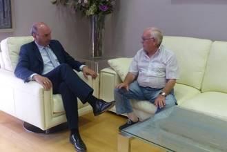 Latre recibe al alcalde de Berninches en su ronda de reuniones con responsables de los ayuntamientos