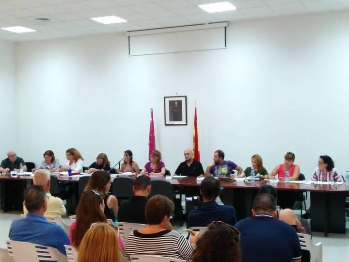 La alcaldesa y los concejales siguen saliendo gratis para los vecinos de Villanueva de la Torre