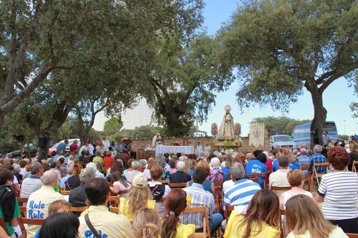 Trillo honra a su patrona, la Virgen del Campo