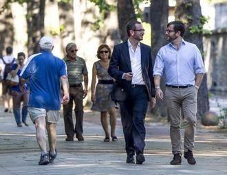 El popular Javier Maroto se ha casado esta mañana con José Manuel Rodríguez en un acto privado
