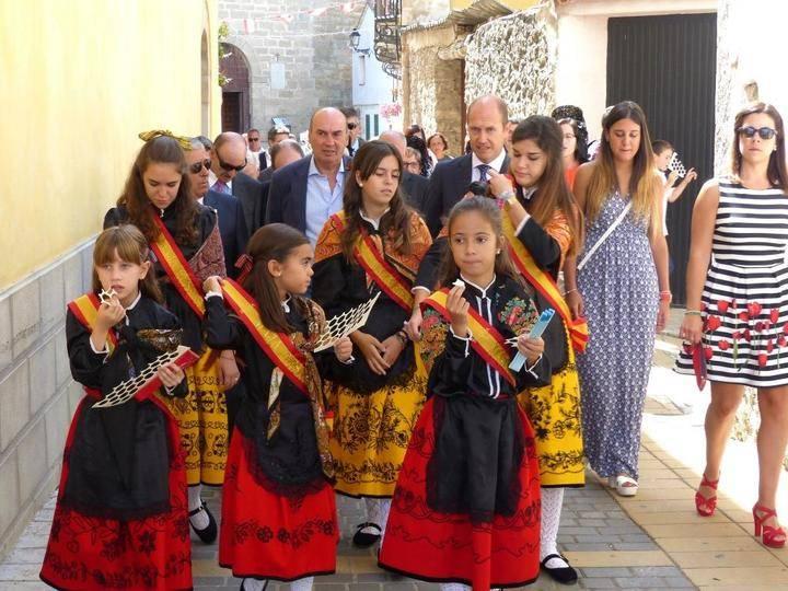 El presidente de la Diputación participa en las fiestas de Pareja que hoy celebra el día de su patrona