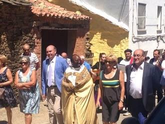 El presidente de la Diputación de Guadalajara asiste a las fiestas patronales de Robledo de Corpes