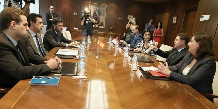 El presidente de Castilla-La Mancha obtiene el compromiso del ministro Soria de aportar 20 millones de euros para salvar Elcogas