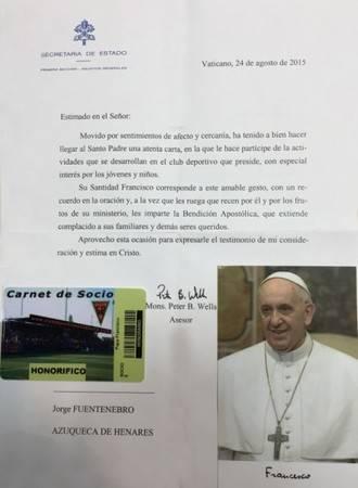 El Papa Francisco, socio honorífico del CD Azuqueca