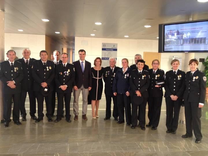 Condecorados en Toledo catorce policías locales de Guadalajara