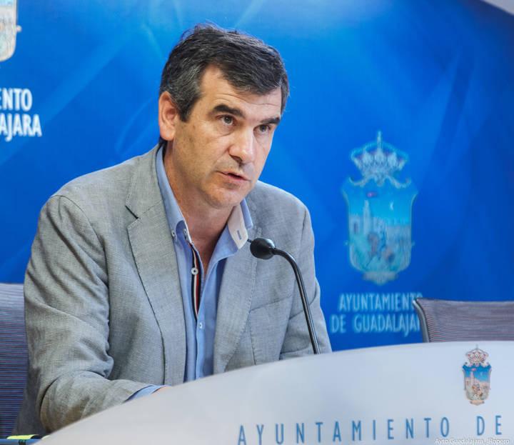 El campus, el hospital, el Fuerte y las políticas sociales y de empleo centrarán la reunión entre Román y Page