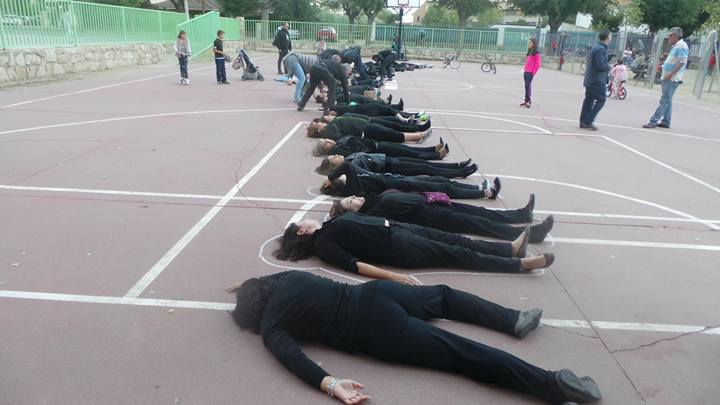 La acción Women in Black llega a El Casar de la mano de la Asociación de Mujeres Arte-Terapia Alce