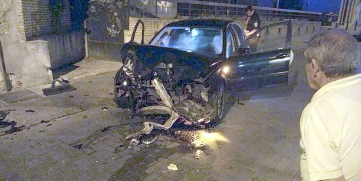 Conducción temeraria, aparatoso choque, huida a pie y detención por el centro de Guadalajara