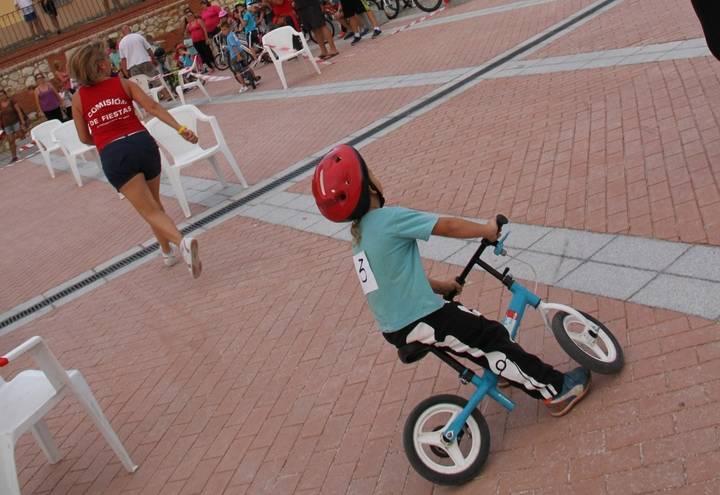 La prueba de habilidad en bicicleta da comienzo a la semana del Cristo de Quer