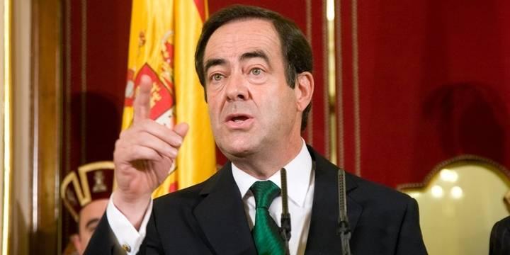 Podemos deja solo al PSOE en la defensa de los privilegios de Bono