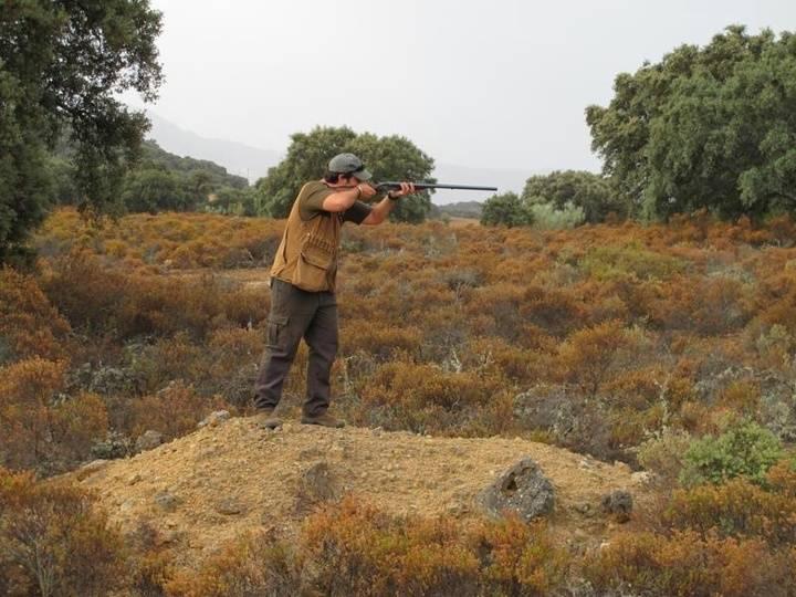 Un cazador herido en la mano tras un disparo fortuito de un compañero en Brihuega