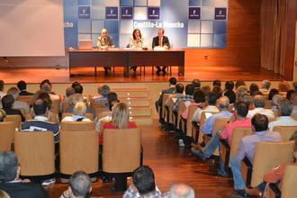 Franco aborda con alcaldes de Guadalajara la aplicación del Plan de Empleo para las personas que han agotado su protección