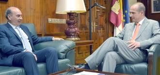 Primera toma de contacto entre Diputación y Delegación de la Junta