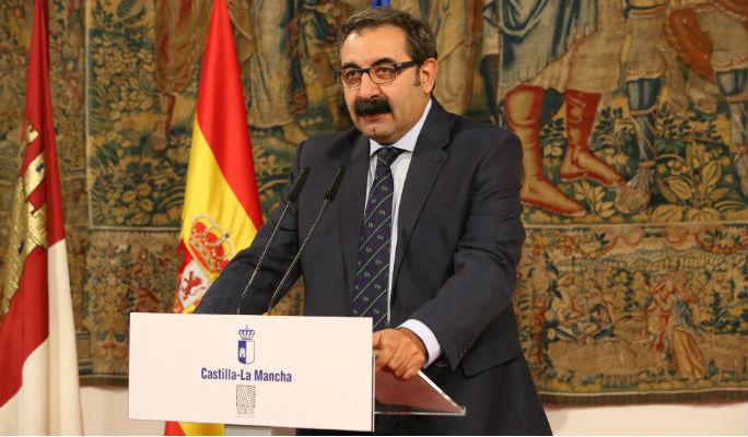 Page piensa en 'cargarse' el convenio sanitario con Madrid