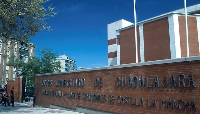 La Universidad de Alcalá pondrá su 'granito de arena' para paliar la crisis de los refugiados