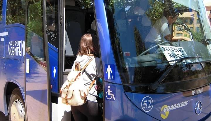 Yebes y Valdeluz estrenan servicio de autobuses interurbanos