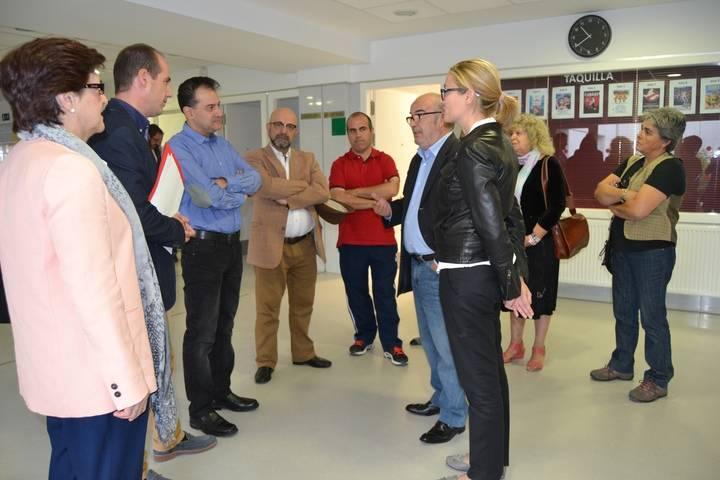 Alberto Rojo visita Torrejón del Rey para conocer de cerca sus servicios