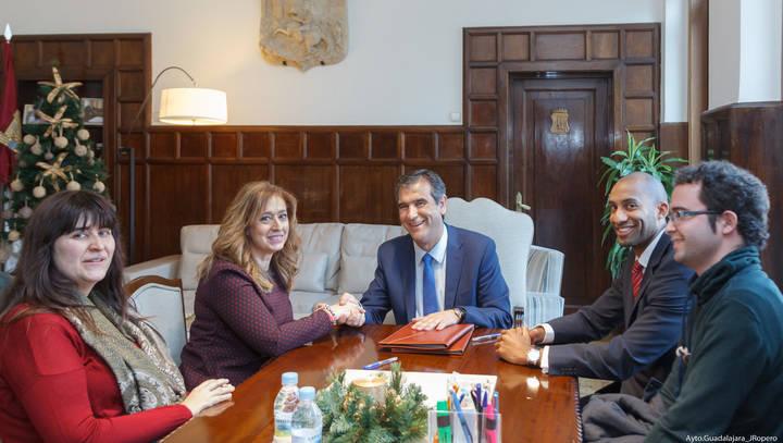 El Ayuntamiento de Guadalajara colabora con 10.000 euros en las actividades de la Asociación de la Prensa de Guadalajara