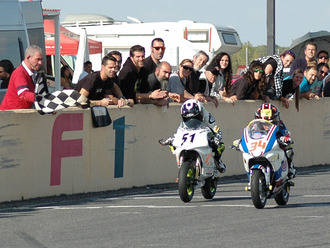 Un aloverano de 9 años se convierte en el motorista más rápido de Castilla y León