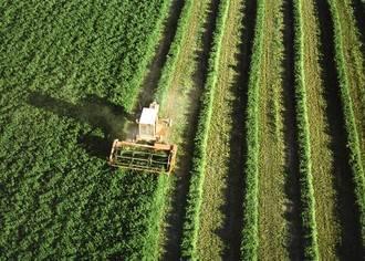 """Los jóvenes agricultores temen no cobrar sus ayudas por la """"lentitud"""" de la Junta"""