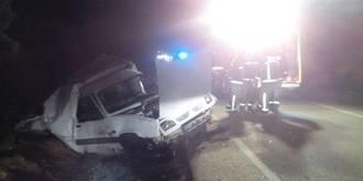 Uno de los heridos en el choque de vehículos de este lunes está estable en la UVI y el otro ha sido dado de alta