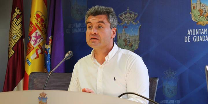 """Respuesta de Alfonso Esteban a Jiménez: """"La moción está en vías de cumplimiento. Aquí nadie tenemos nada que ocultar"""""""