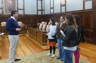 Alumnas de la Escuela Familiar Agraria (EFA) de Humanes visitan el Palacio Provincial
