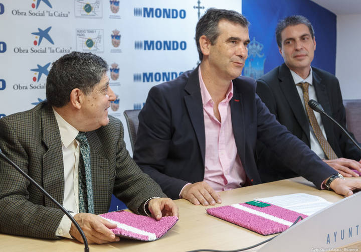 La Ciudad de la Raqueta se tiñe de rosa por la lucha contra el cáncer de mama