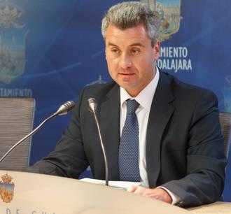 """Alfonso Esteban: """"Tratan de ganar difamando lo que no han podido ganar en las urnas"""""""