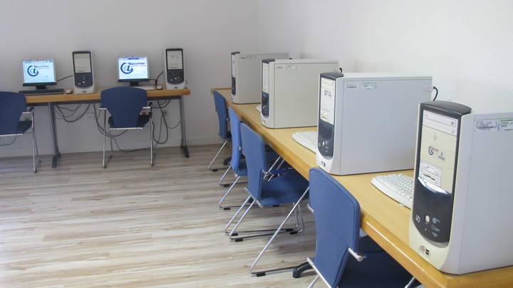 Cabanillas organiza un taller de ofimática para niños y otro de seguridad en la red para padres de adolescentes