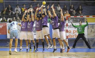 El BM Guadalajara permite a Cangas sumar su quinta victoria consecutiva