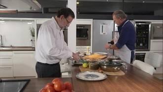 4.334.000 espectadores vieron a Rajoy comer mejillones con Bertín Osborne y otras cosas más...