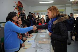 """Cospedal anima a la participación para que """"todos los españoles podamos decidir el futuro de nuestro país"""""""