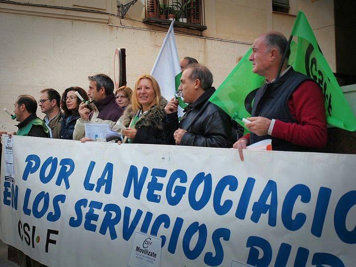 """En el tema de las sustituciones de profesores la Junta trata como si fuera de """"regional"""" a la provincia de Guadalajara."""