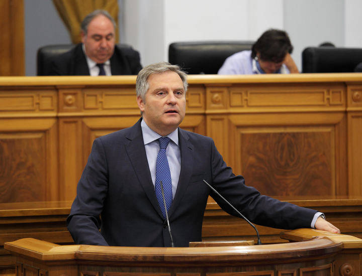 Cañizares afirma que los funcionarios podrán trabajar más allá de los 65 años gracias a situación económica que dejó Cospedal